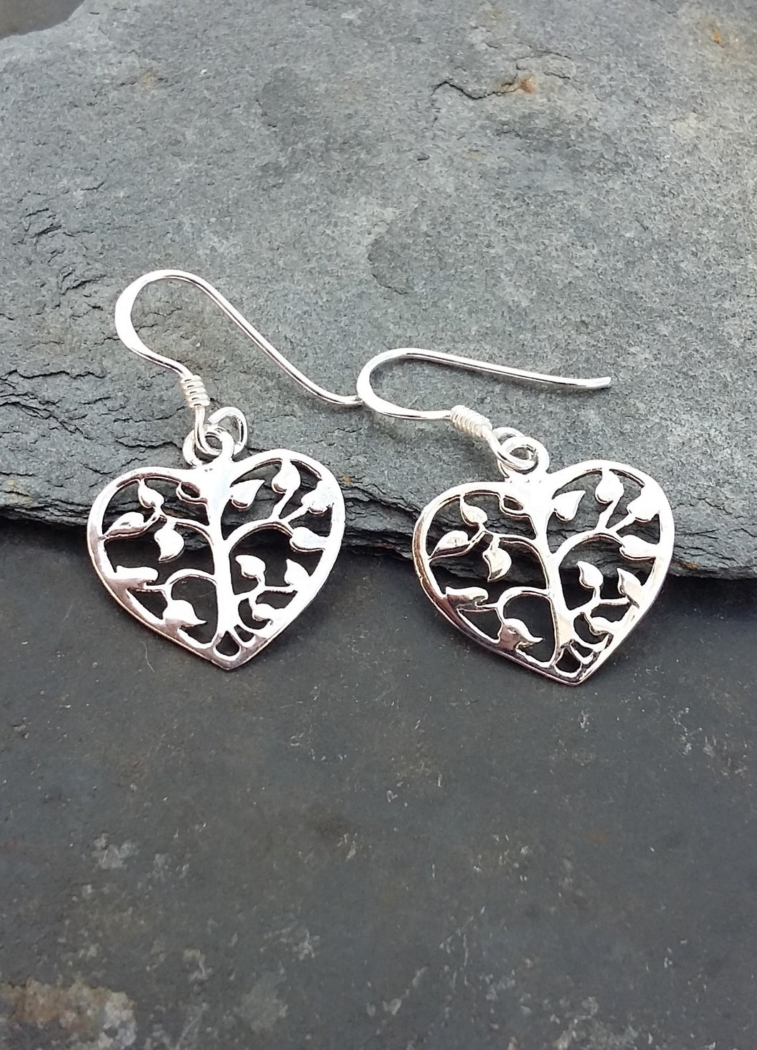 E569 - TREE HEART DROP EARRING