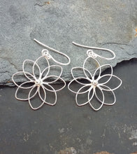Load image into Gallery viewer, E593 - LARGE LILY FLOWER EARRING