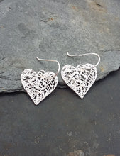 Load image into Gallery viewer, E619 - HEART EARRINGS