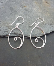 Load image into Gallery viewer, E624 - WIRE OVAL DROP EARRINGS