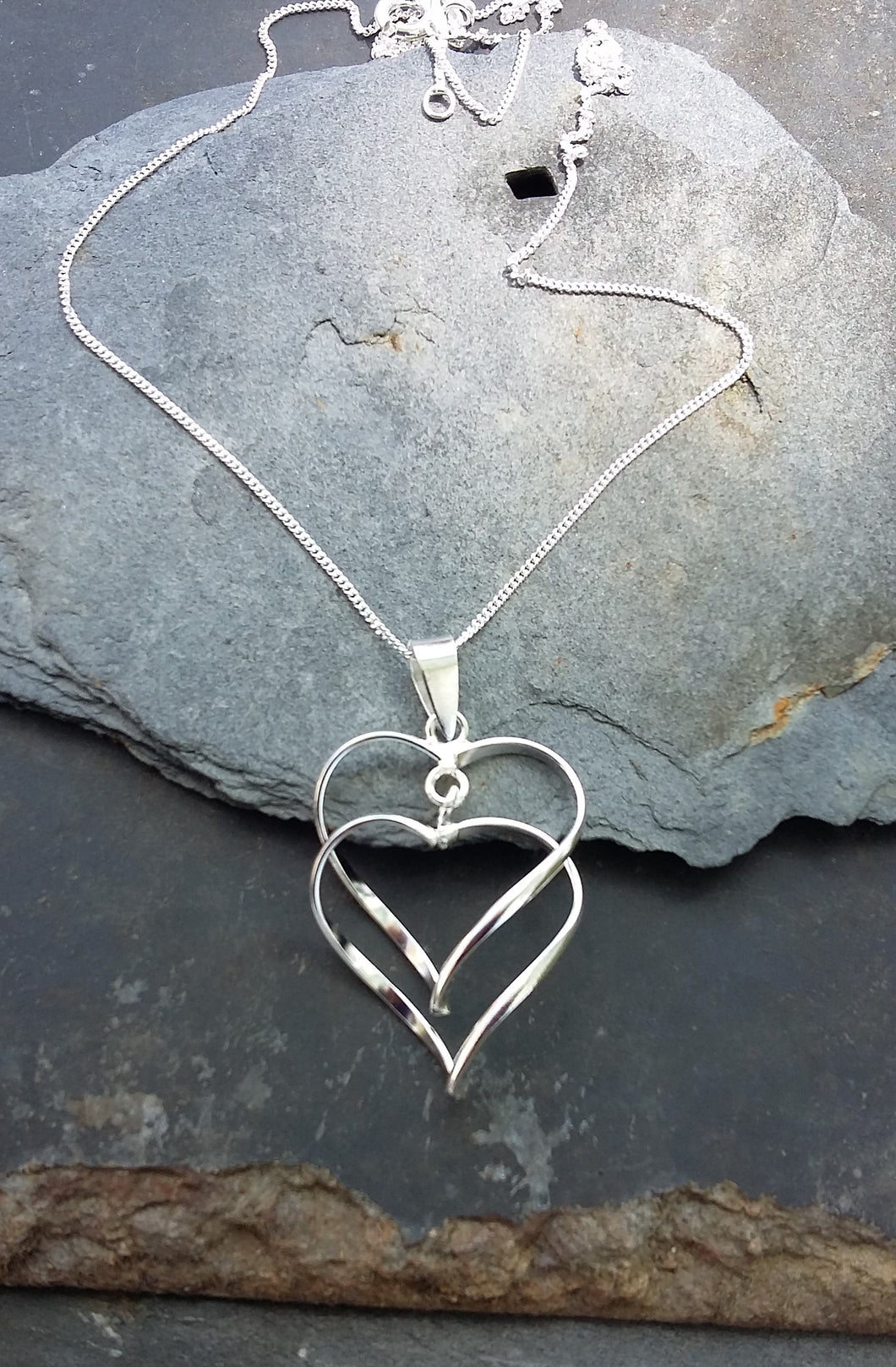 SP096BC - LINKED HEARTS PENDANT
