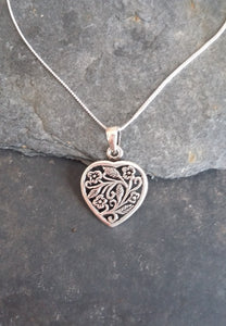 P594 - HEART WITH FLORAL DESIGN PENDANT