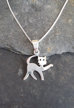 Load image into Gallery viewer, P603 - CAT PENDANT