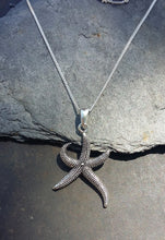 Load image into Gallery viewer, P646 - STARFISH PENDANT