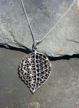 Load image into Gallery viewer, P673 - LARGE FILIGREE LEAF PENDANT