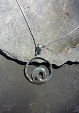 Load image into Gallery viewer, P699 - SILVER WAVE PENDANT