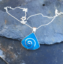 Load image into Gallery viewer, SP122 - BLUE WEDGED SHAPED SWIRL PENDANT WITH 18 INCH CHAIN BOXED