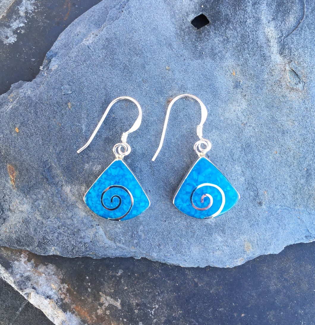 SE164 - BLUE WEDGE SHAPED EARRINGS WITH SWIRL DESIGN ALL STERLING SILVER