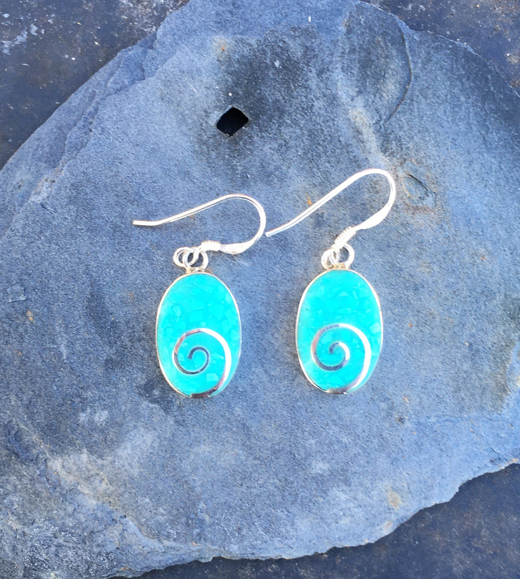 SE140 - OVAL PALE GREEN RESIN WITH SILVER SWIRL EARRING