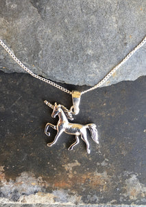 SP132 - UNICORN PENDANT