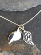 Load image into Gallery viewer, P467 - DOUBLE ANGEL WING PENDANT