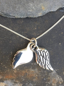 P467 - DOUBLE ANGEL WING PENDANT