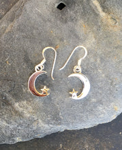 Load image into Gallery viewer, E590 - CRESCENT MOON & STAR EARRING