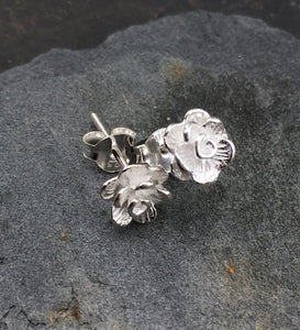 S100-SATIN FINISH FLOWER STUD