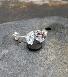 S340-HEART CLEAR CZ STUD