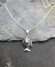 Load image into Gallery viewer, SP108 - FISH PENDANT