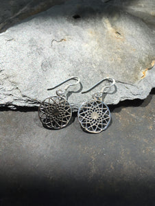 E535 - MANDALA DESIGN EARRING