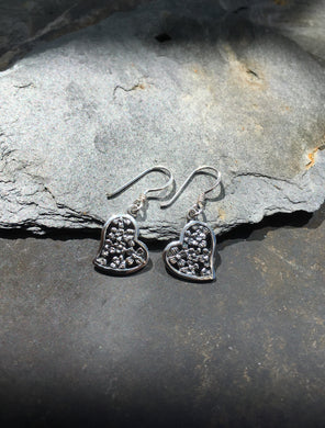 E537 - HEART DROP EARRING