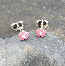 Load image into Gallery viewer, SS173-PINK ENAMEL FLOWER CZ STUD