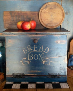 Primitive style bread box, From Sweet Homes