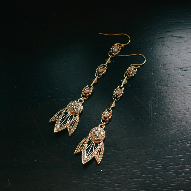TIGER LILY DANGLE EARRINGS /// BLACK