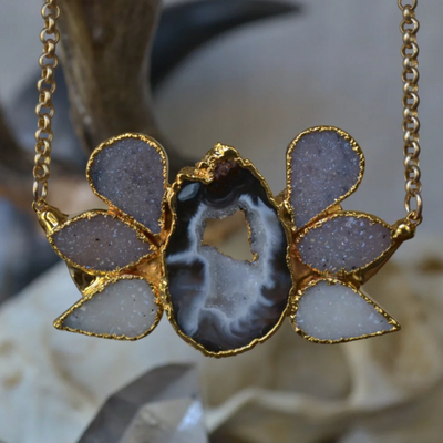 DRUZY & GEODE SLICE STATEMENT NECKLACE