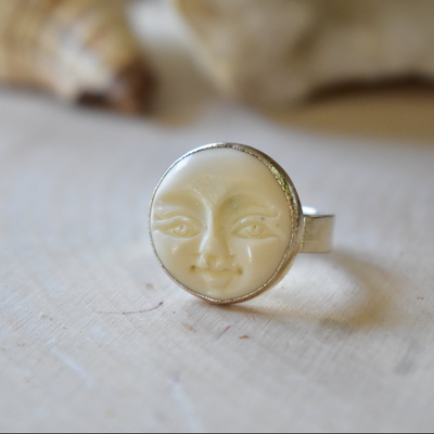 MOON FACE RING /// EYES OPEN