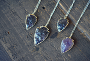 AMETHYST ARROWHEAD NECKLACE /// GOLD