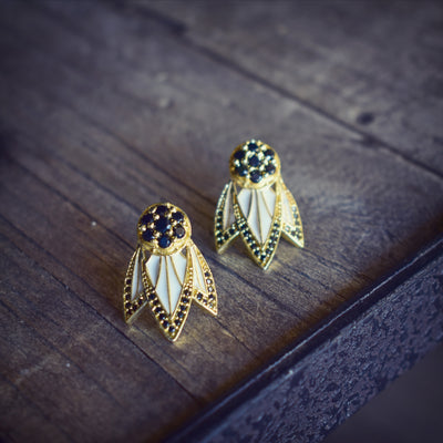 TIGER LILY STUDS /// WHITE