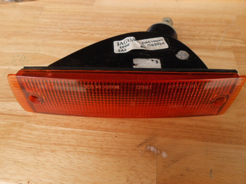 Front Right Side Turn Signal Light   DAC10940