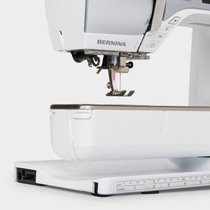 close up of Bernina 570 QE sewing machine from Jaycotts Sewing Supplies