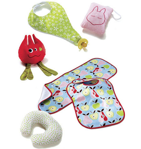 Kwik Sew 3812 Bibs, Burp Cloth, Pillows & Toy