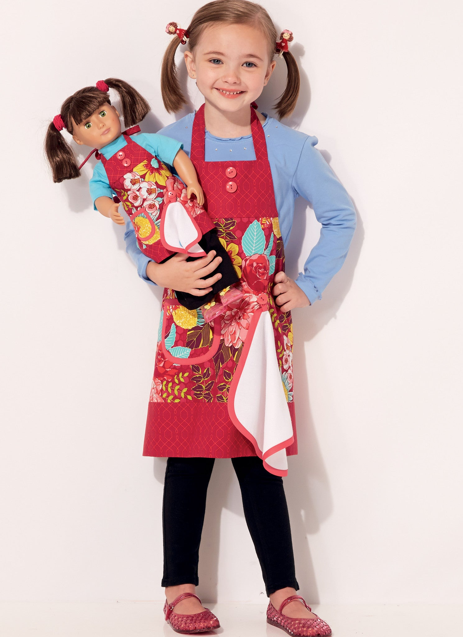 "K0229 Misses', Girls' and 18"" Doll Aprons with Detachable Towel"