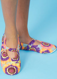 Kwik Sew 0253 Adult Slippers Pattern from Jaycotts Sewing Supplies
