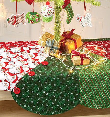 M6453 Ornaments, Wreath, Tree Skirt and Stocking