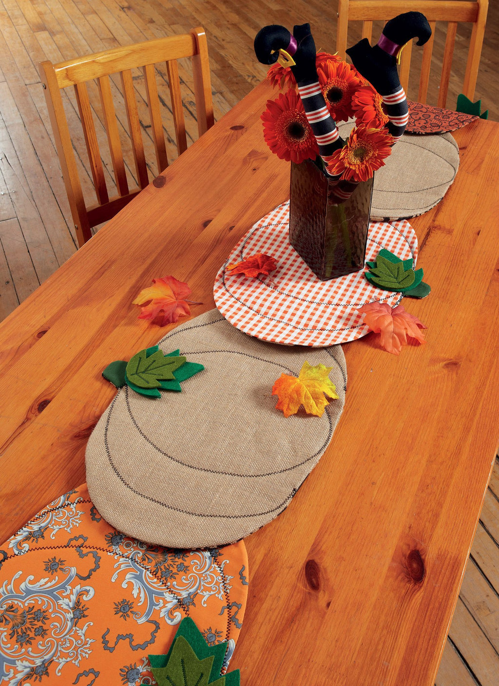 M7490 Pumpkin Placemats/Table Runner, Witch Hat/Legs, and Wreaths