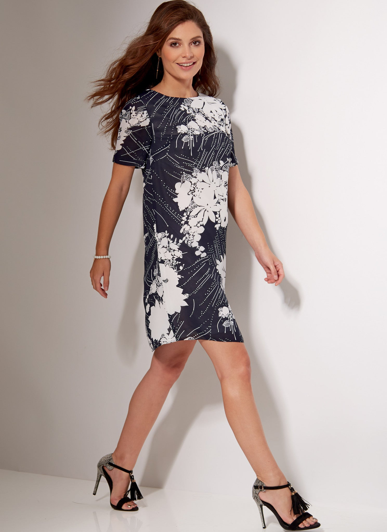 M7533 Misses'/Women's Fitted, Sheath Dresses