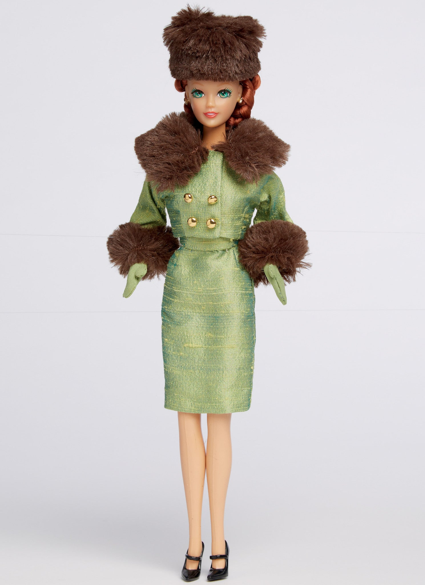 "M7550 Retro-Style Clothes and Accessories for 11½"" Doll"
