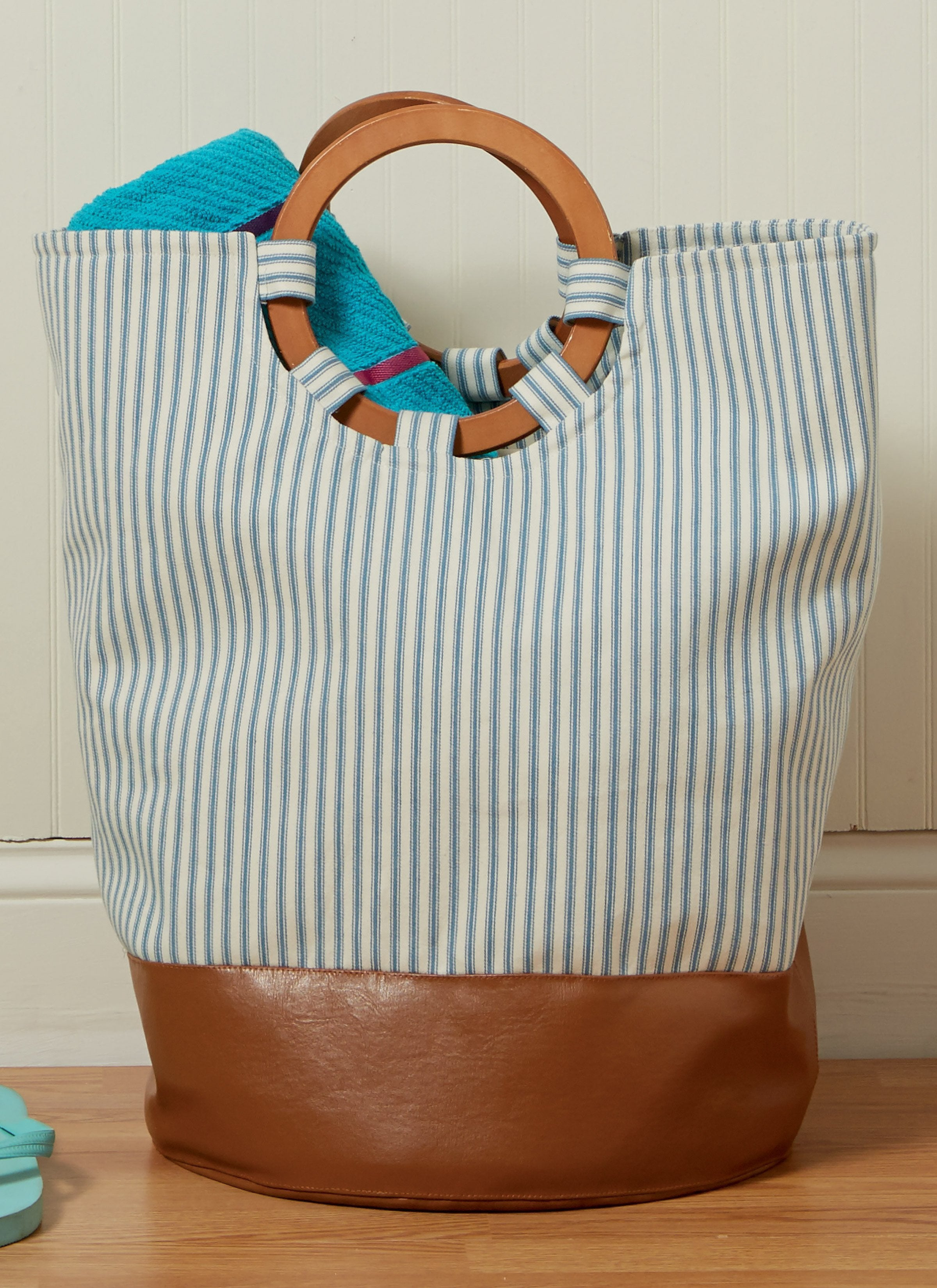 carry all your beach essentials tote bag pattern 7611