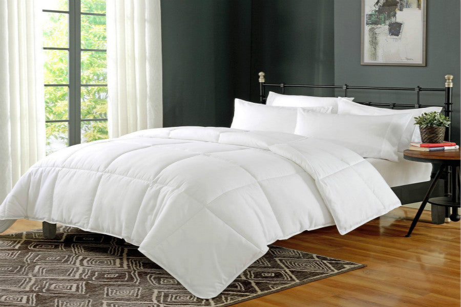 Duvet Insert White Goose Down Alternative Comforter | SuperBeddings