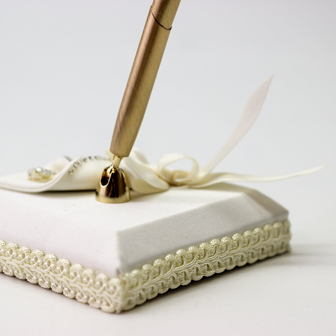 Weddings Bridal Ivory Calla Lily Pen and Holder Set