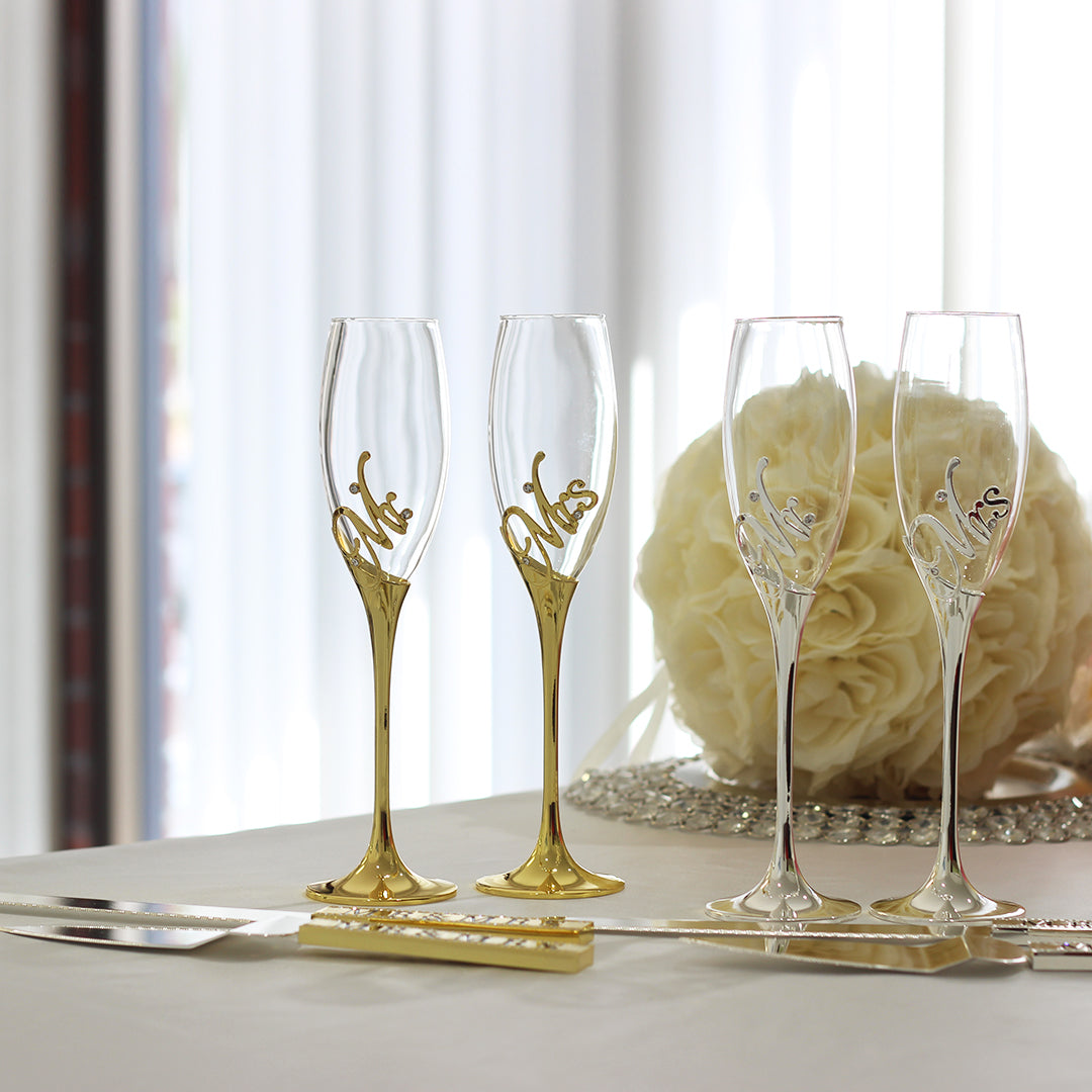 Mr & Mrs Wedding Toasting Champagne Flute and Cake Serving Set