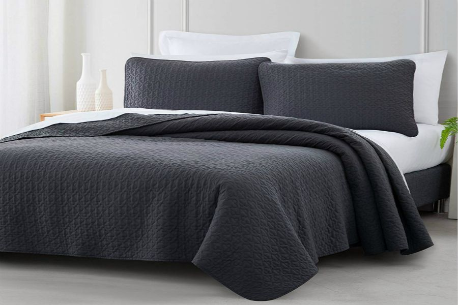 Coverlet Set Vega Microfiber Quilt Bedspread | SuperBeddings