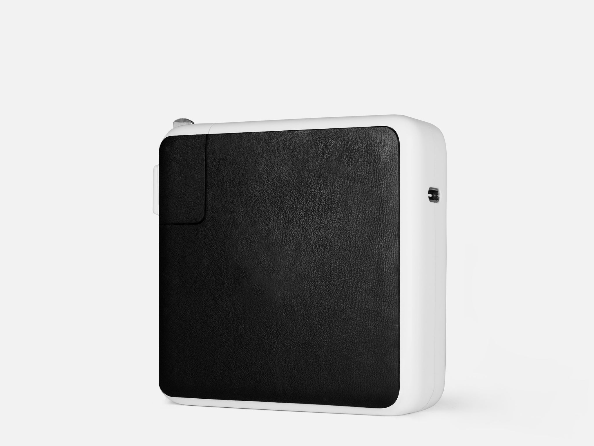 117 Leather Sticker  |  87W USB-C / 85W MagSafe 2