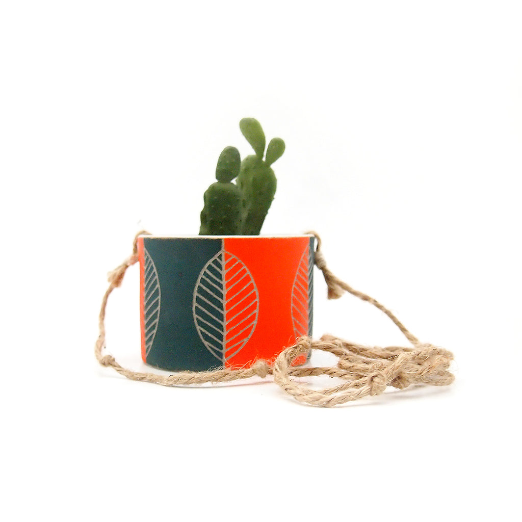 Leaf Hanging Planter