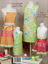 Load image into Gallery viewer, Mother Daughter Aprons - Pattern Book - TMB172