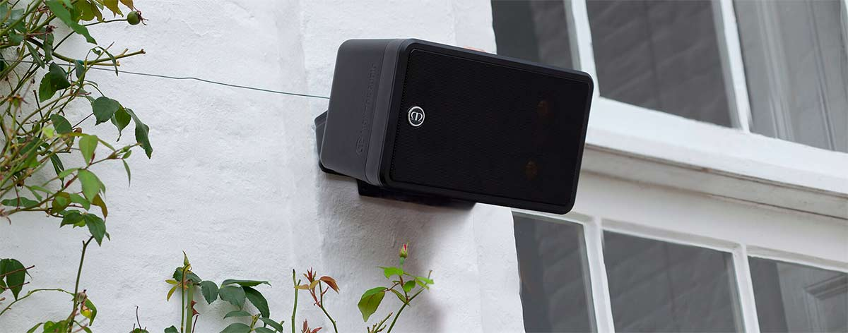 Climate-60-T2-outdoor-speaker-lifestyle