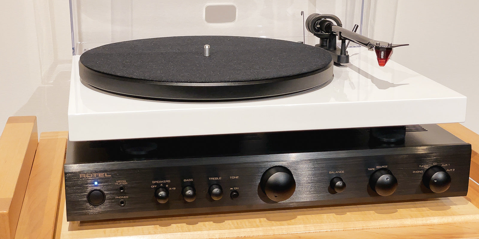 Rotel A10 integrated amplifier and Project carbon evo turntable
