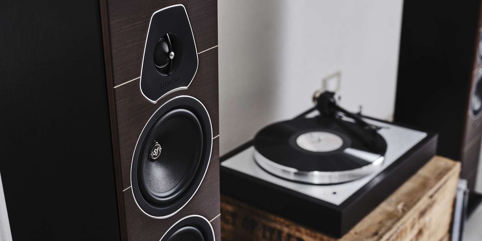 Sonus-faber-Lumina-III-floorstanding-speakers
