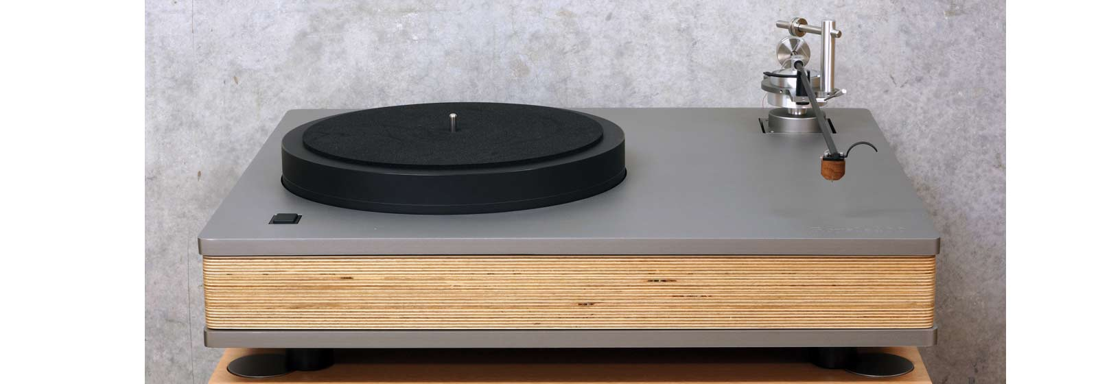 Well-Tempered-Lab-Royale-400-turntable